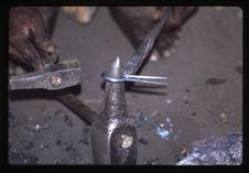 Instruments de musique divers et fabrication de la guimbarde en fer