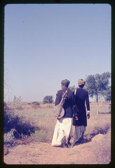 Manghaniyar : Hanuva, Hamira 1975-76
