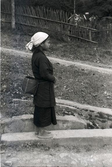 Sans titre [une femme et la rivière Noire]