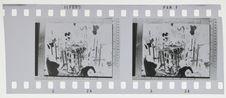 Sans titre [bande film de deux vues : atelier ou autel ?]