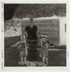 Femme portant le costume traditionnel