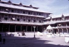 Cour intérieure du temple Swaminarayan