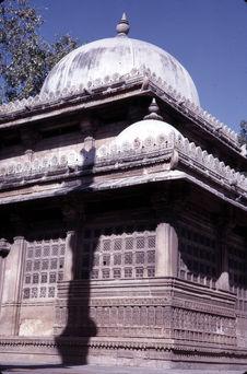 Tombe de Rani Sipri