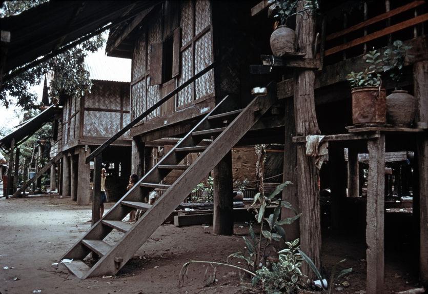 Maison urbaine riche lao
