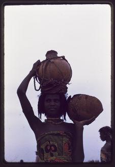 Les Peuls Bororo [une jeune femme]