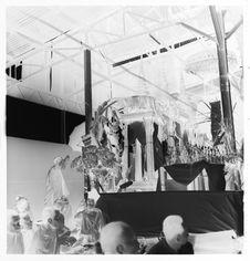 Sans titre [funérailles du roi Sisavang Vong : autels]