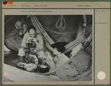 La mission Lévi-Strauss dans son campement