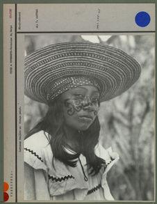 Indienne Goajiro au visage peint