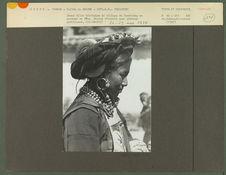Jeune fille du village de Tsedjrong