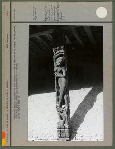 Rudravarna Vihara : sculpture en bois