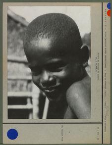 Enfant du village de Tobati