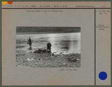 Lavage des légumes au bord de la Rivière Noire