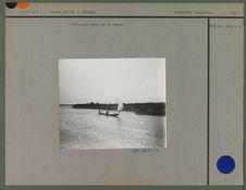 Piroguiers Mina sur la lagune
