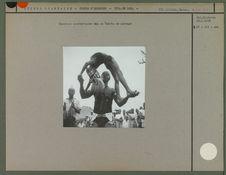 Danseurs acrobatiques Dan ou Yakoba