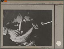 Femme targui jouant de l' imzad
