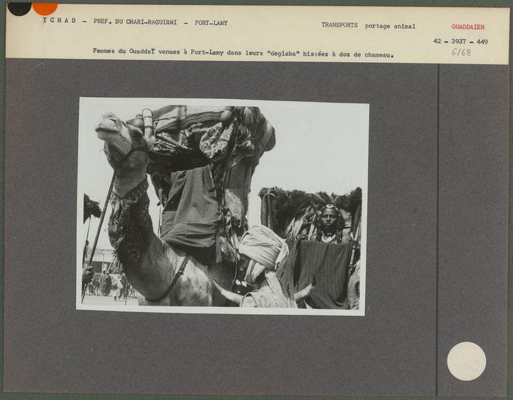 """Femmes de Ouaddaï dans leurs """"deglaba&quot"""