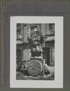 Sculpture dans la cour du Musée de Mexico