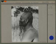 Portrait d'un homme Sara de profil, chasseur