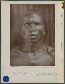 Homme Batak d'à peu près 40 ans