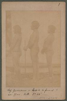 Chef Guaraouno et deux de ses femmes