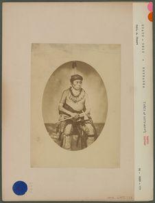 Lahaktachihisha-a-due, Medicine pipe chief