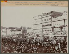 Le Maharajah de Jaipur rentre d'Angleterre dans sa capitale