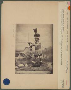 Indien chumash avec arc et flèches