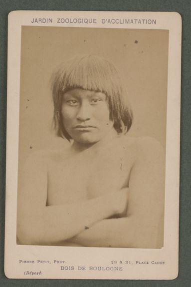 Henri, jeune homme (16-18 ans) nez aquilin