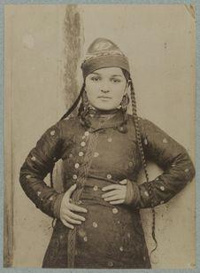 Kokan [femme coiffée d'un topi]