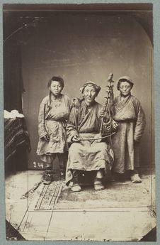 Musicien et chanteurs, Ourga