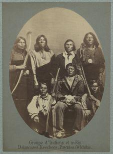 Groupe d'Indiens et métis