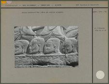Galerie extérieure Sud : têtes aux oreilles allongées