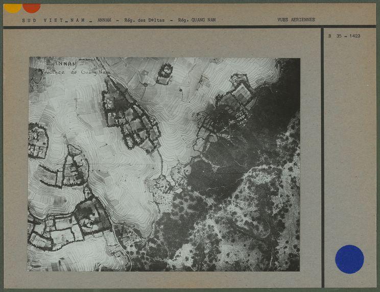 Vue aérienne [de Quang Nam]