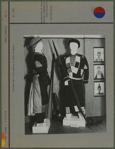 Costumes Meo et Man exposés au Musée de Hanoï