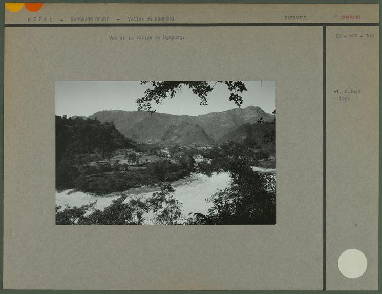 Vue de la vallée de Humpung