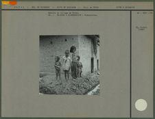Enfants du village de Thimi