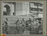 Femmes d'Udaipur puisant de l'eau