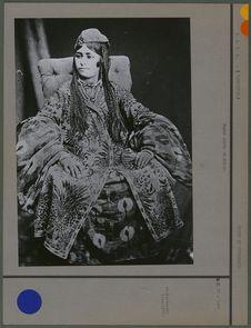 Femme sarte de Kokan