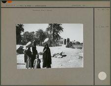 Porteuses d'eau à Karnak