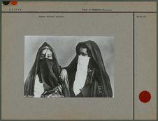 "Femmes ""arabes"" voilées"