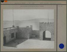 Vue du Poste français de Forts-Saint, en face Rhadamès, à l'horizon les dunes de...