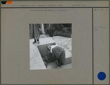Femme bédouine des Aït Metallit, à la fontaine