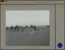 Section d'artillerie de montagne du Tidikelt équipée pour l'école à feu, en...