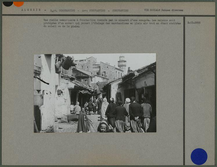 Une ruelle commerçante à Constantine