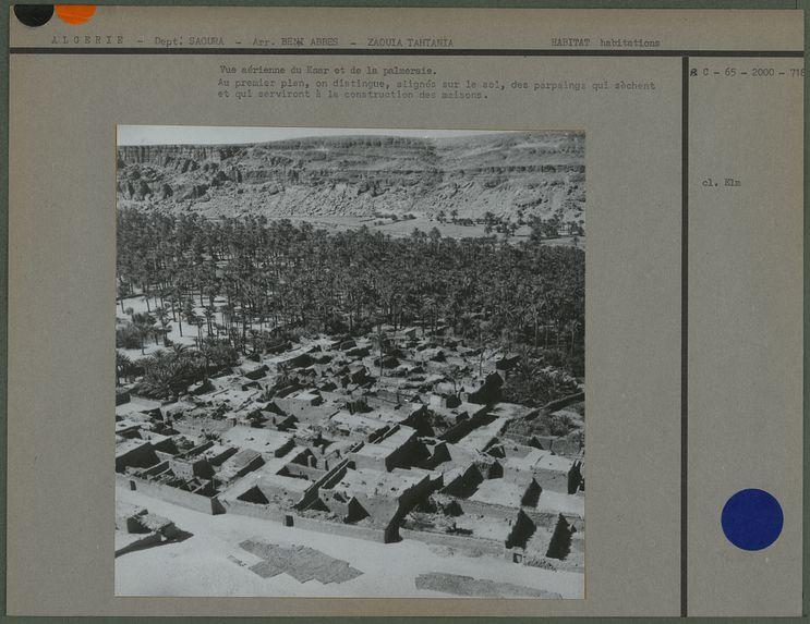 Vue aérienne du ksar et de la palmeraie.