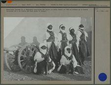 Méharistes chaamba de la Compagnie saharienne des Ajjer.
