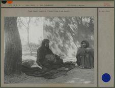 Femme targui jouant l'imzad