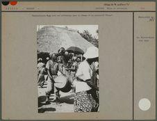"""Tambourinaire baga lors des cérémonies pour la déesse """"Nimba&quot"""