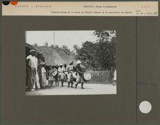 """Tambourinaires de la danse de """"Nimba"""" déesse de la maternité"""
