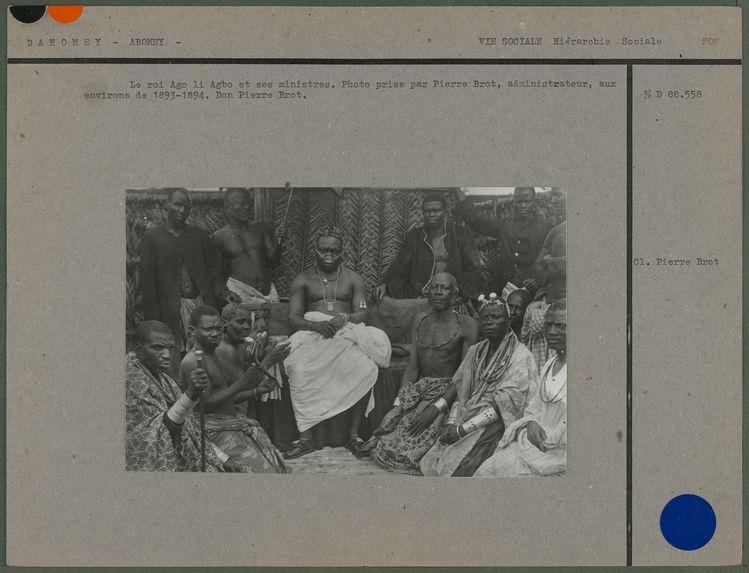 Le roi Ago li Agbo et ses ministres